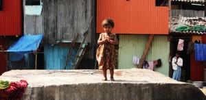 Slum-niña-sola